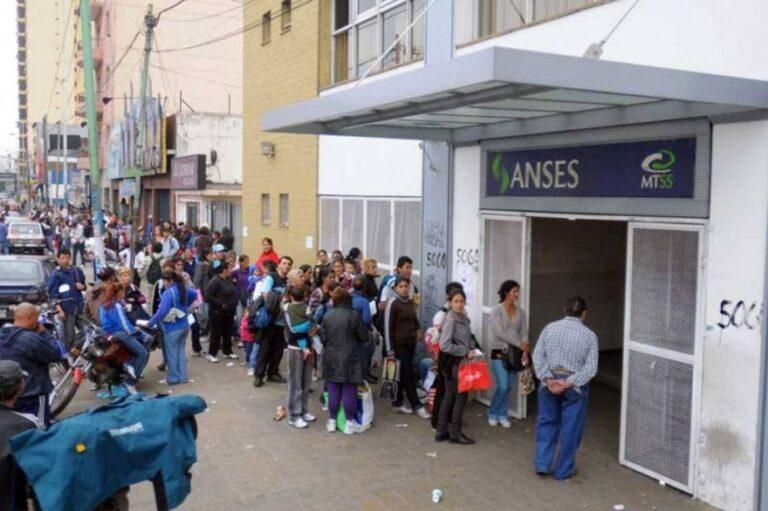 Los trabajadores del Anses en alerta por fallas en el sistema de pago de beneficios sociales